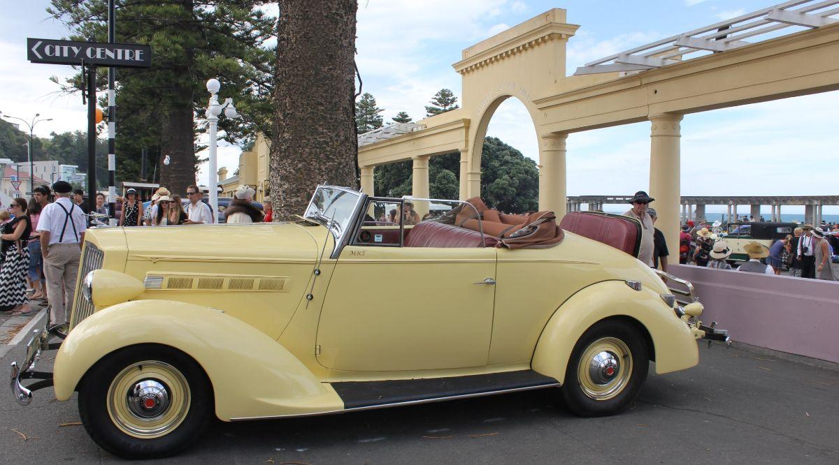 Napier's Marine Parade on Art Deco Weekend